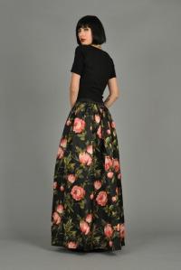 long_black_flowers_rear